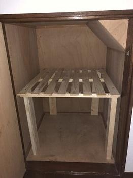 階段下収納棚.jpg